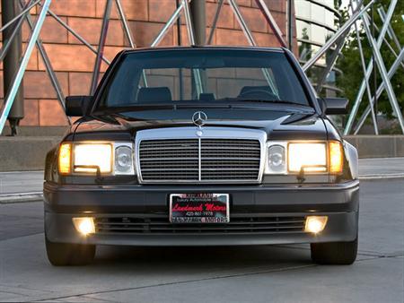 """Злодеи из фильма """"Такси"""": Mercedes 500E"""