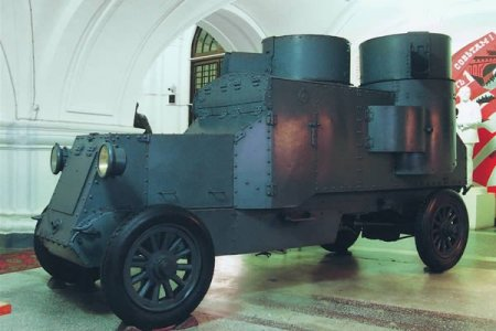 Автомобили вождей революций