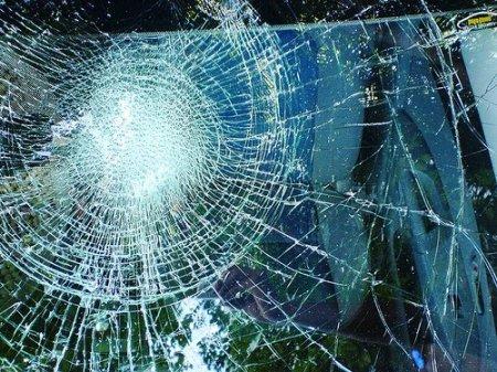Авто - факт: Небьющееся лобовое стекло изобрели случайно
